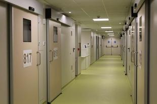 El Hospital Universitario de Badajoz abre la unidad de referencia para enfermos infecciosos