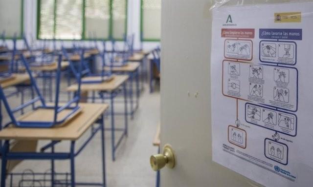 Los colegios Virgen de Guadalupe y Enrique Iglesias cierran una de sus aulas por casos de COVID-19