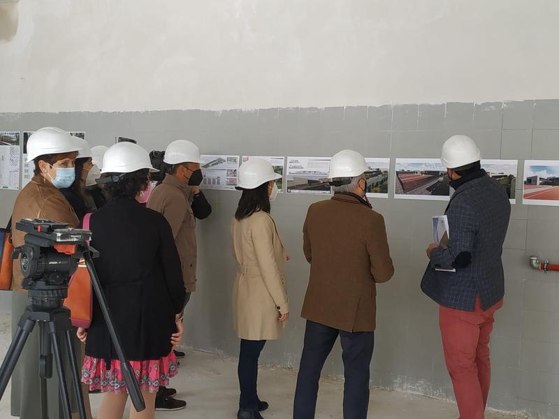 El alcalde visita las obras del nuevo centro educativo de Cerro Gordo