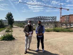 Para el PSOE, la obra de la piscina está parada por sacar su obra por debajo del precio de mercado y a ese coste no puede seguir el constructor