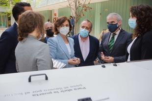 Fragoso aprovecha la visita de Carmen Calvo para pedir la creación de un Instituto de Investigación de Energías Renovables