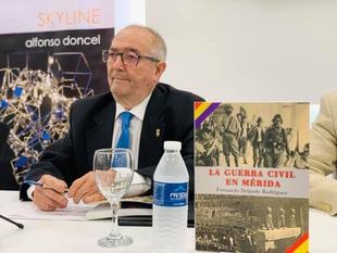 Fernando Delgado presenta ''La Guerra Civil en Mérida''