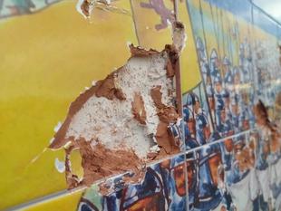 Graves actos vandálicos en el Mural de Alfonso IX en el paseo del Río