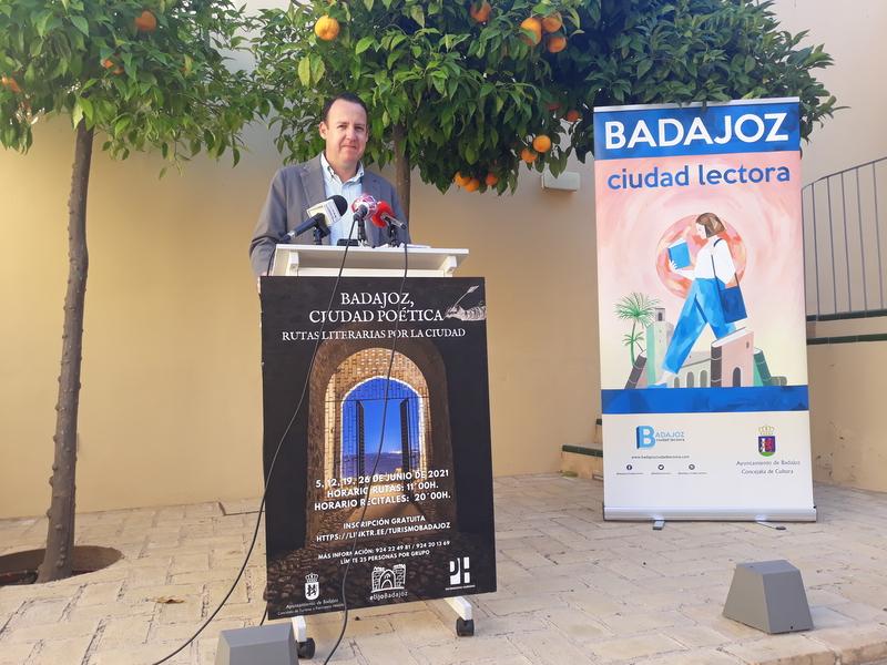 Badajoz ofrecerá Rutas literarias y Veladas poéticas todos los sábados del mes de junio