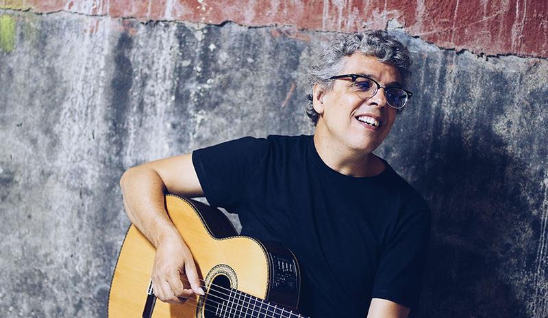 La terraza de verano del López inicia su temporada con un concierto de Pedro Guerra