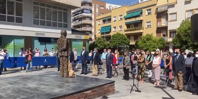 Inaugurada la estatua a Miguel Celdrán