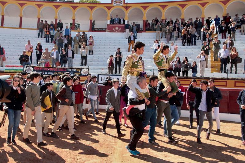 Ecuextre concede su VI Premio a la Escuela de Tauromaquia de Badajoz