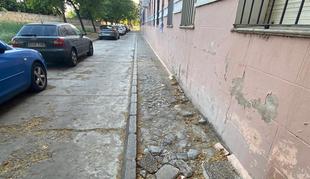 El PSOE de Badajoz dice que los vecinos de la calle Joaquín Costa reclaman 'más atención' a la zona de la muralla