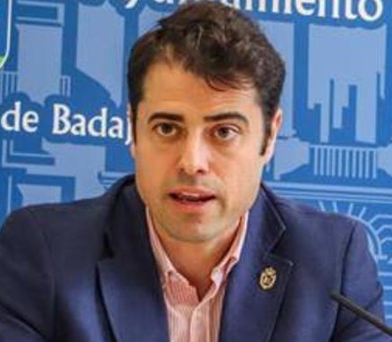 Alejandro Vélez confirma que ha mantenido ''algún tipo de contacto'' con el alcalde de Badajoz sobre los presupuestos