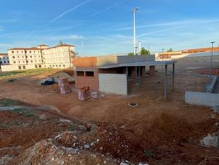 Cabezas denuncia el parón en las obras del campo de fútbol junto al Seminario
