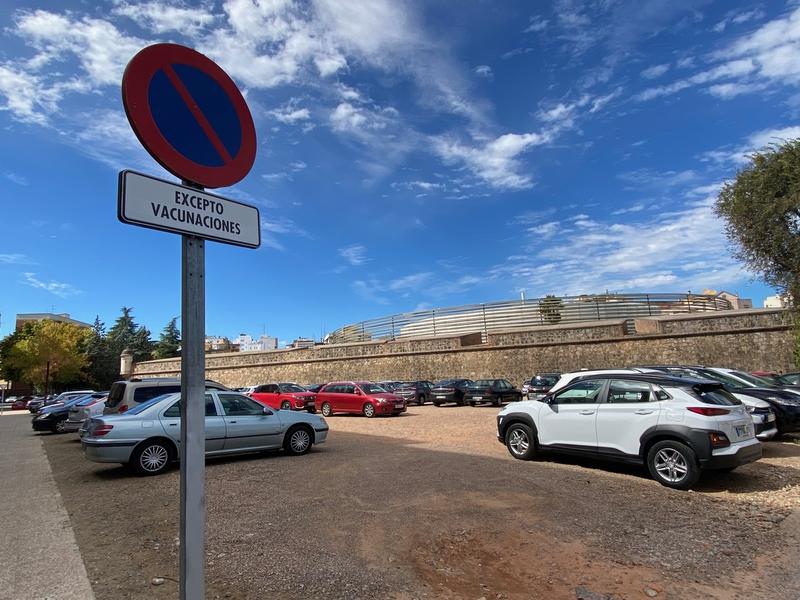 El PSOE pide que se pueda estacionar en la C/ Stadium, junto al Baluarte de San Roque