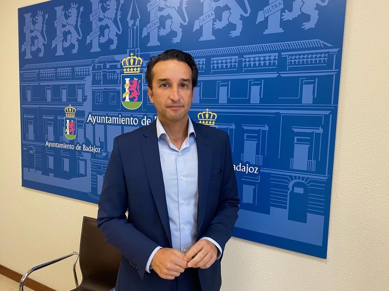 Ricardo Cabezas: ''No hay nadie al volante del Ayuntamiento''