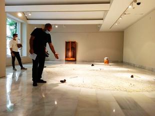 Juan Sebastián González presenta una exposición sobre la arqueología de la pintura